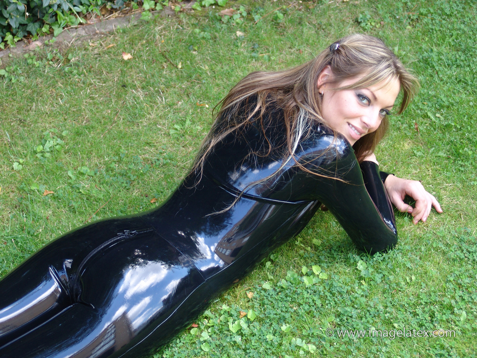Shiny black latex outfit and fetishwear of sexy cougar olivi - 1 part 7