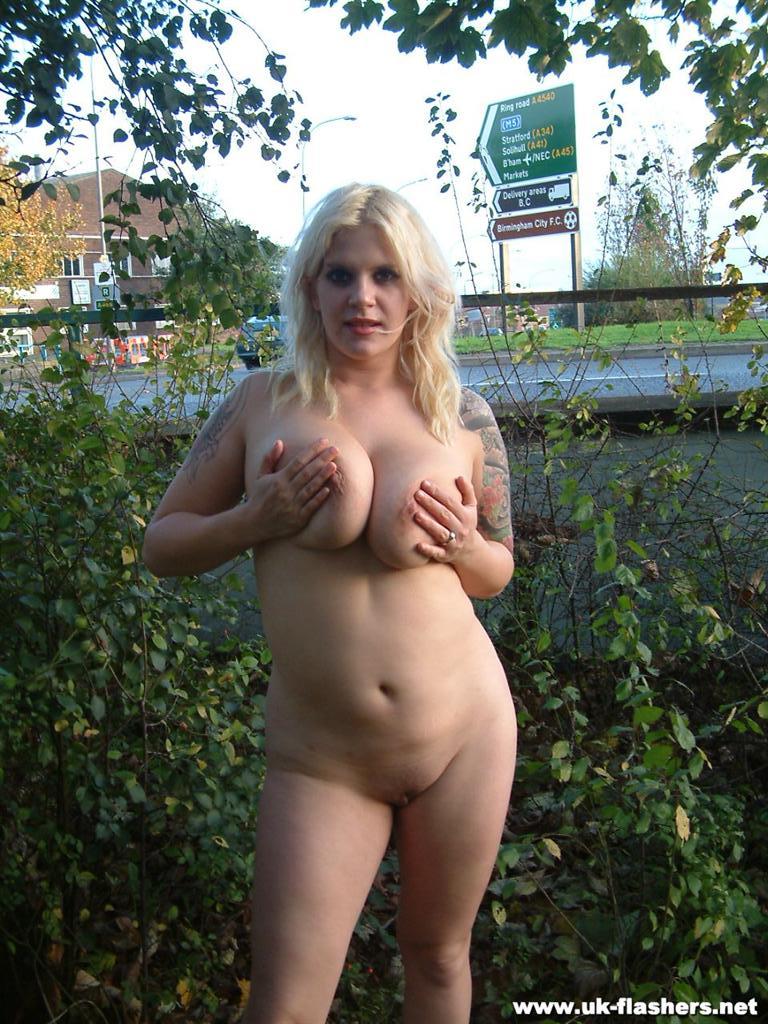 Uk women naked outside porn pics & move